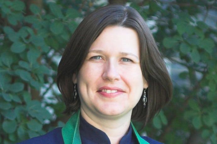 Photo of Rev. Dr. Sarah Travis